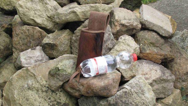 Mind-Factor Bogensport - Seitenköcher Flaschenhalter mit Fell PET 0,5 l_2